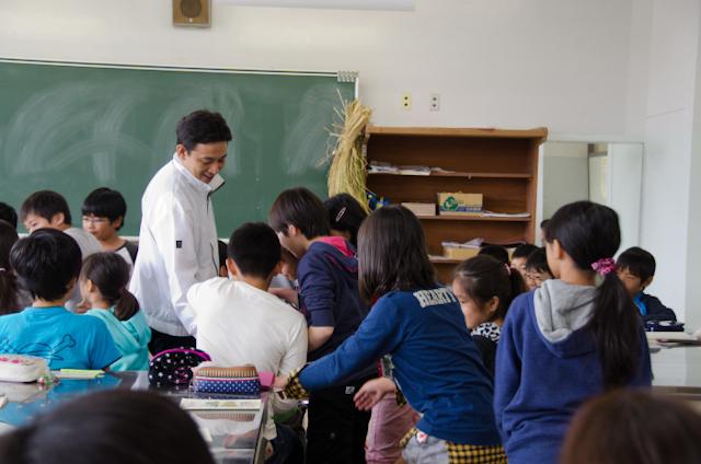 糠の試食(ごはんパワー教室2013)